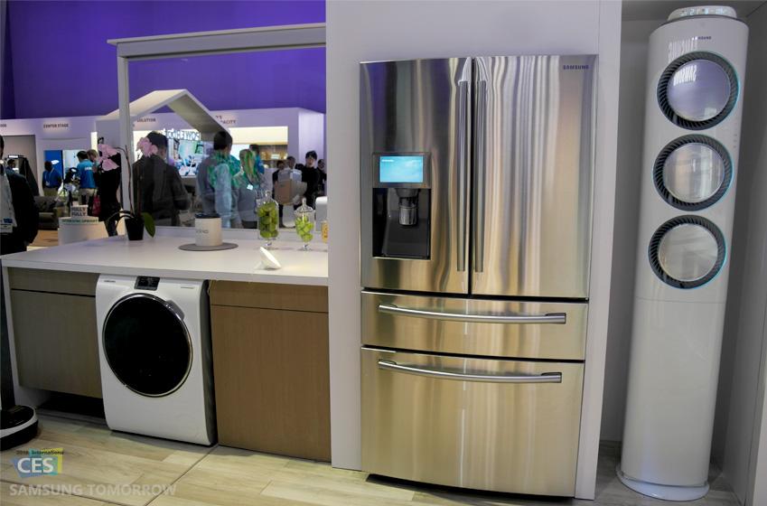 삼성전자의 주방가전(에어컨, 냉장고, 식기세척기) 사진입니다