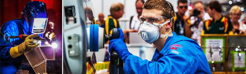 파란색 작업복을 입은 기능올림픽 참가자들이 기능 실력을 겨루고 있습니다.