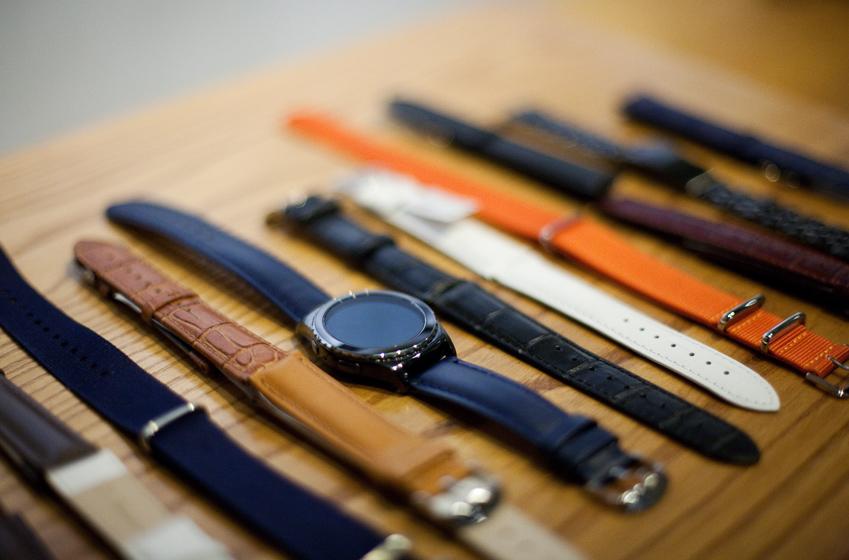 시계 스트랩은 다양한 재질과 색상 등 선택의 폭이 매우 넓다. 다양한 스트랩의 모습.,