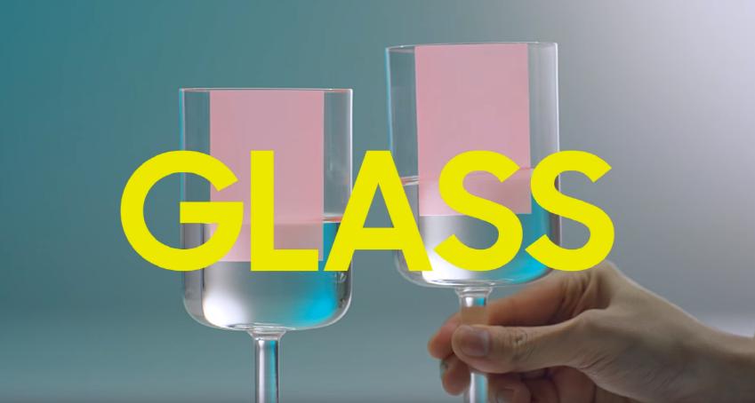 시원한 물을 담은 GLASS