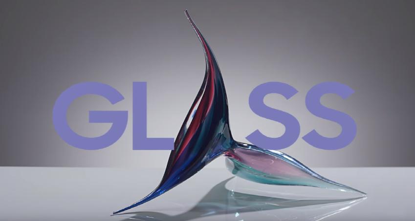 화려한 색상을 담아 예술성을 뽐내는 GLASS