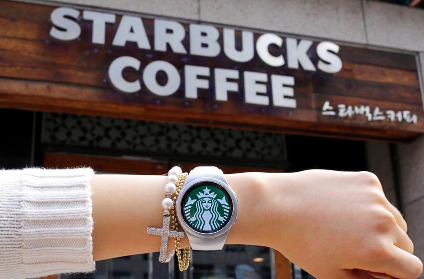 커피는 맛있게 결제는 간편하게!_기어 S2 X 스타벅스