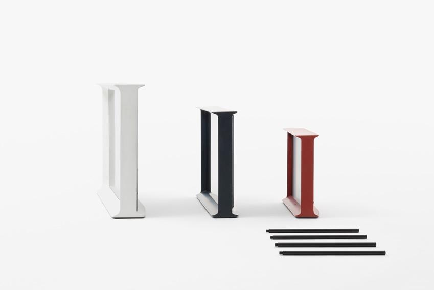 가구 디자이너 로난·에르완부훌렉 형제가 디자인한 세리프(SERIF) TV의 옆모습입니다.