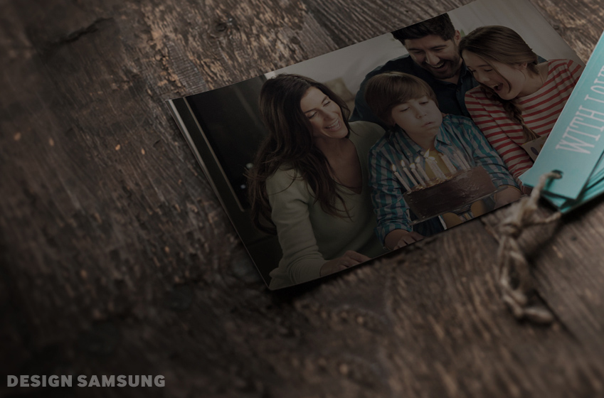 가족 사진이 놓여져 있는 모습