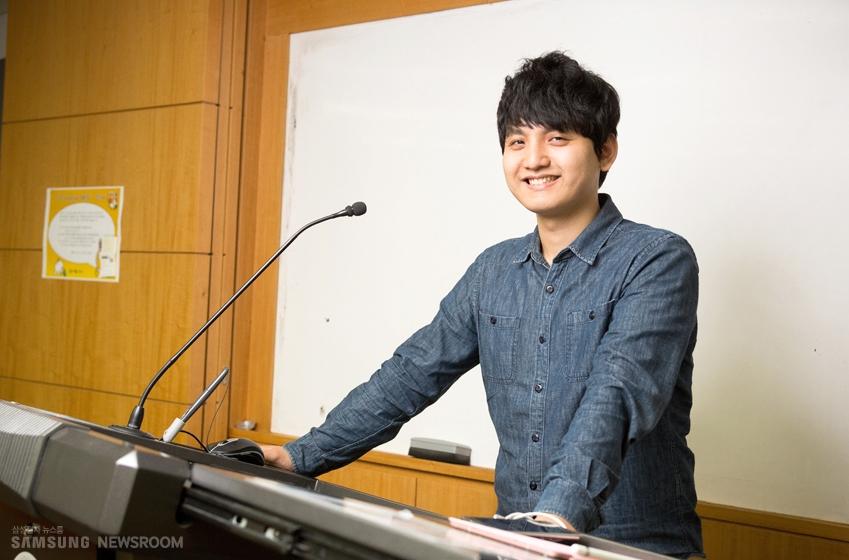 이날 운영체제론 수업에서 이론 강의를 진행한 박은수 조교