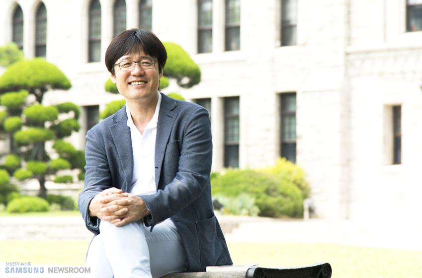 김현철 교수 인터뷰 사진