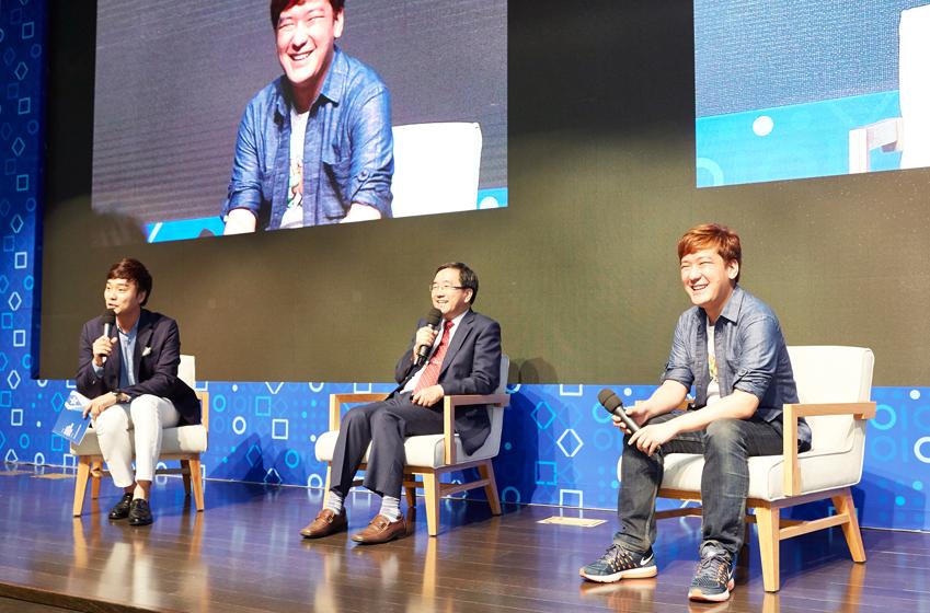 초대 손님은 SCPC 자문위원이기도 한 허성우 동아대학교 컴퓨터공학과 교수 가운데, 그리고 프로그래밍 사이트 '백준 온라인 저지(Baekjoon Online Judge)' 운영자인 최백준 스타트링크 대표