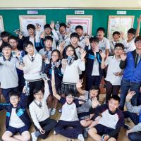 삼성전자 임직원, 용인 동백중학교 '1일 과학교사'로 변신하던 날