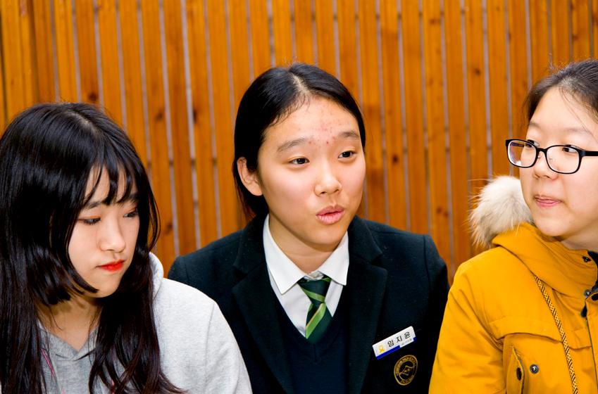 아두이노베이션 팀원 석채린·임지윤·고지형(왼쪽부터)양. 셋 다 심석고 2학년에 재학 중이다