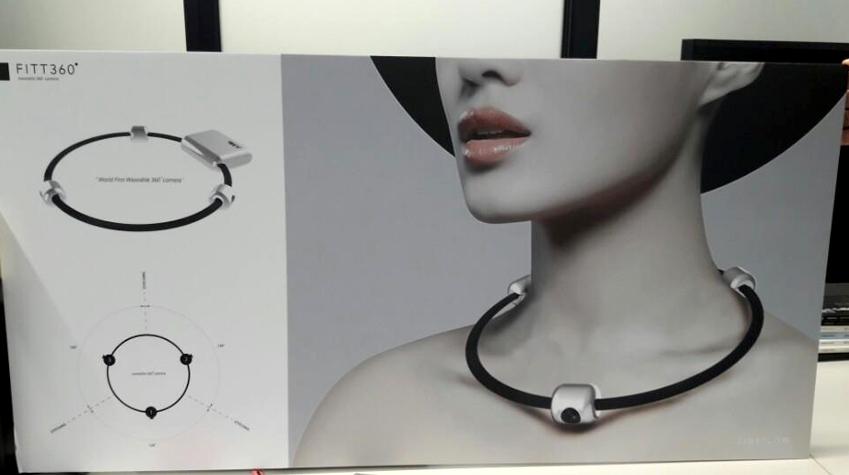 FITT360 여성모델이 직접 착용하고 있는 이미지 사진