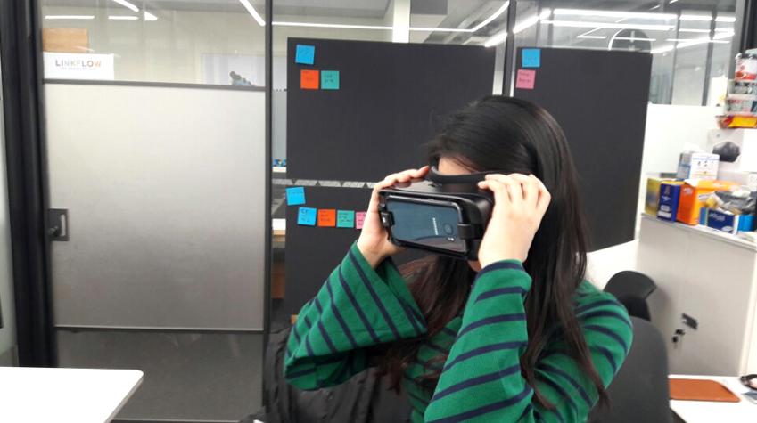 핏360으로 찍은 영상은 삼성 기어 VR에서 감상할 수 있다
