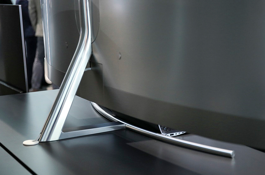 QLED TV 뒷면 기본형 스탠드 이미지