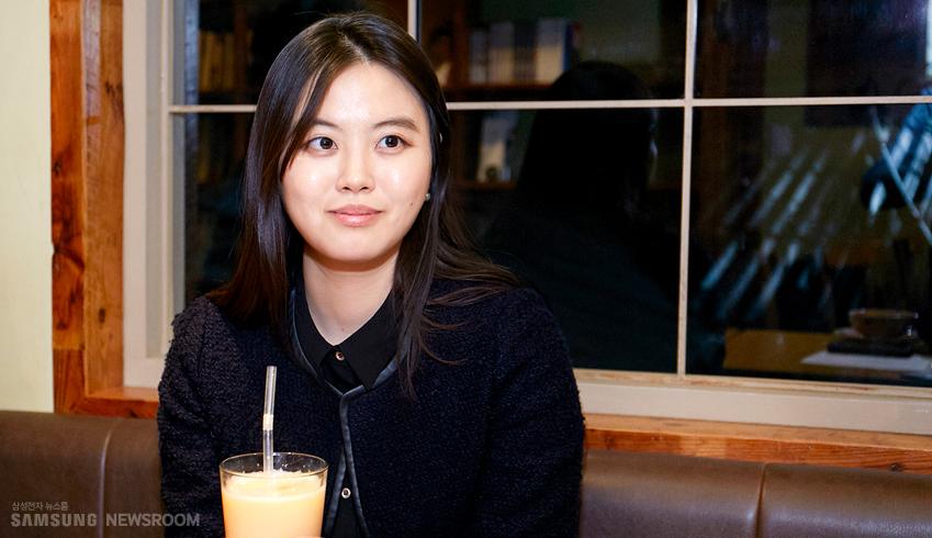 삼성전자 대학생기자단 1.2기로 활동했던 최하영씨의 인터뷰 사진