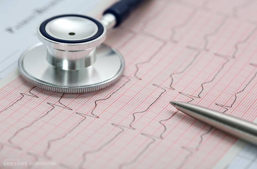 평소엔 괜찮다가 갑자기 맥이 빨리 뛰거나 가슴 쪽이 불편하고 숨이 차다면 '발작성 상실심성 빈맥'을 의심해봐야 한다.