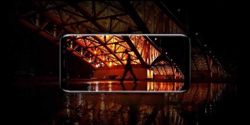 갤럭시 S8 카메라는 순간적으로 세 장의 사진을 촬영, 그중 가장 또렷한 결과물을 제공하도록 이미지 신호 처리 알고리즘을 향상시켜 어떤 상황에서든 환하고 선명한 사진을 내놓는다.
