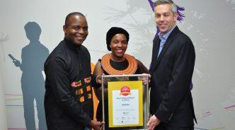 """""""학생들에게 새로운 희망을"""" 삼성전자, 아프리카 내 최고 브랜드가 되다!"""