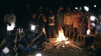 인도와 인도네시아, 랜턴으로 희망 밝힌 사연은?