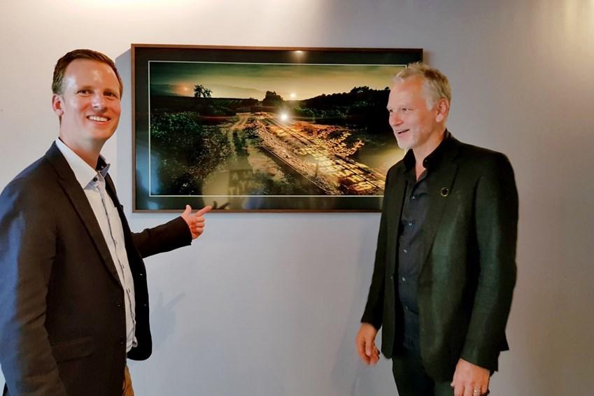 벨기에 출신 디자이너이자 건축가 대니 벤렛(우측)과 삼성전자 벨기에 법인 마케팅 담당 요한 반 캄페하우트(좌측)