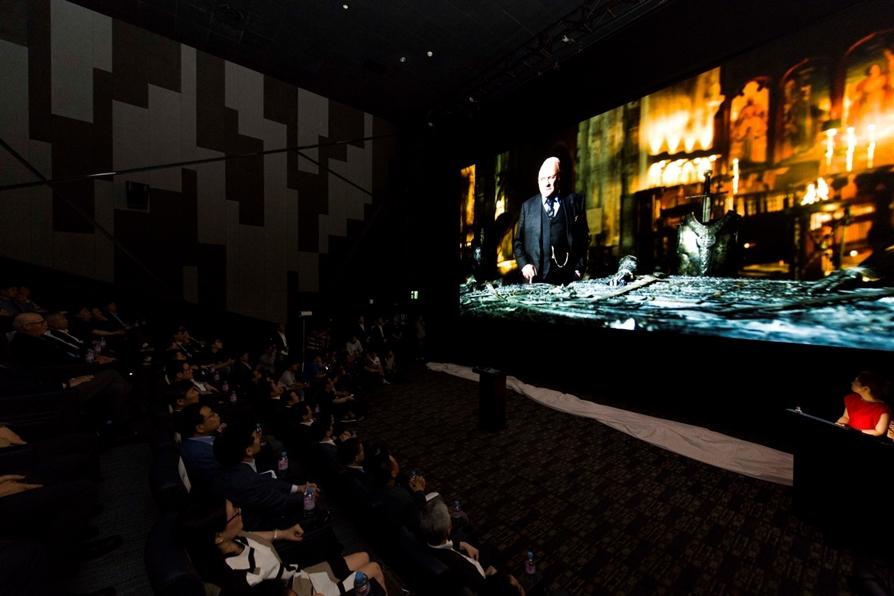 롯데시네마 월드타워에서 역시 세계 최초로 시네마 LED 스크린 상영관 '수퍼S(SUPER S)'