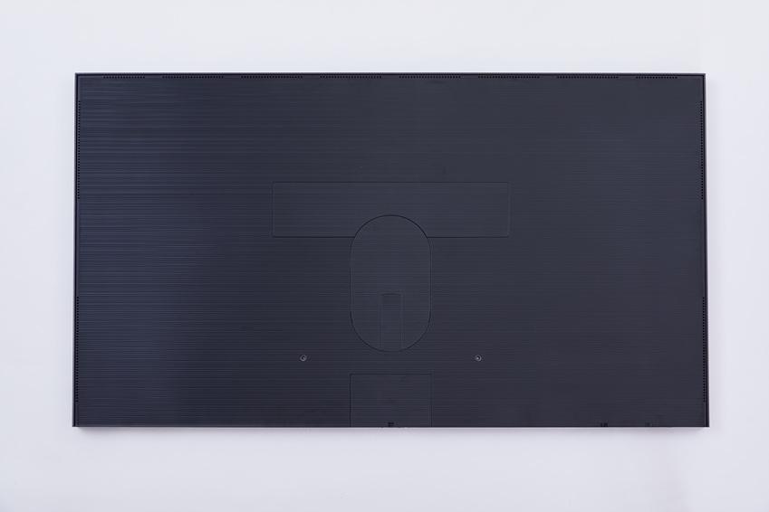 '더 프레임'의 뒷면. 세련된 메탈 블랙 색상으로 심플하고 고급스럽다.