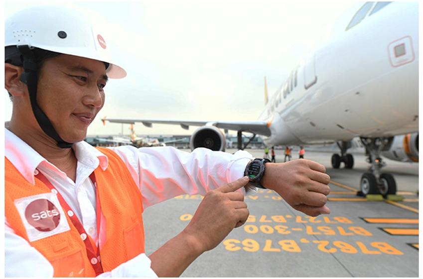 싱가폴 창이공항의 지상 업무를 제공하는 SATS는 삼성 기어 S3를 지상근무 직원들의  업무에 이용하기로 했다.