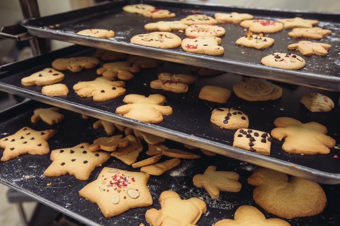 쿠키가 구워진 모습