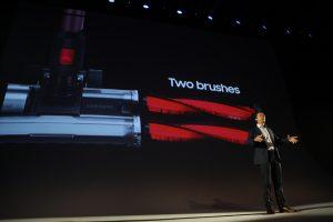 '퀵 드라이브'에 이어 소개 된 신제품은 파워스틱프로 'PowerStick Pro'(국내 명칭 '파워건)