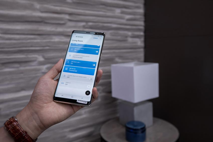 삼성 커넥트 보이스로 집안에 있는 전등을 껐다 켰다 할 수 있다