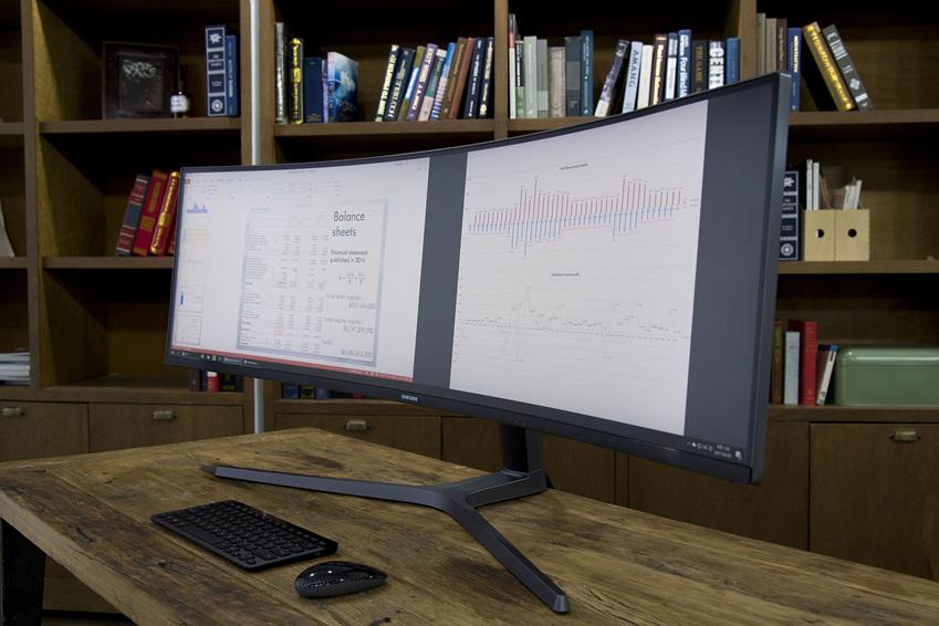 이지 셋팅 박스를 활용하면 3개 또는 4개 이상의 작업 창을 사용자가 원하는 대로 배치할 수 있다