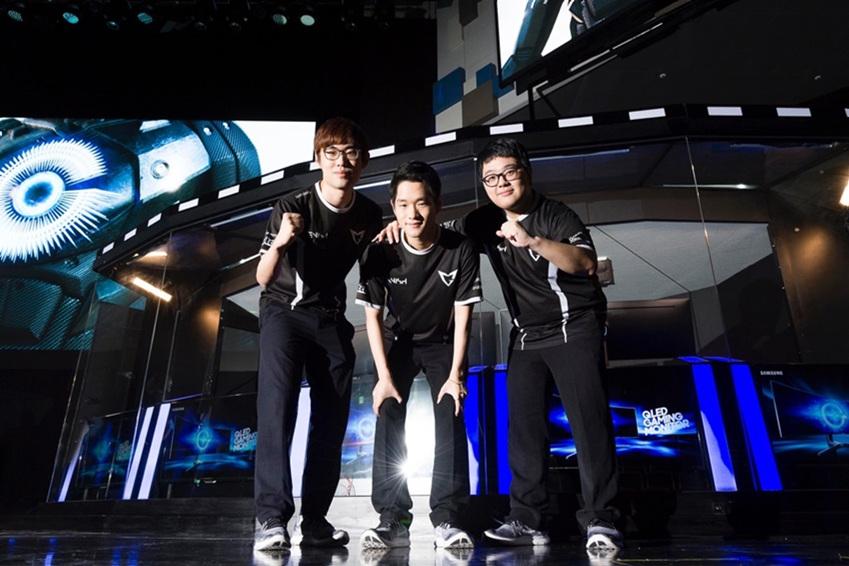 삼성 갤럭시 게임팀 단체 사진