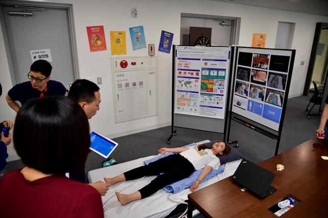 ▲토르 팀의 솔루션은 공기압을 활용, 거동이 불편한 환자의 욕창을 예방하는 기능으로 호평 받았다