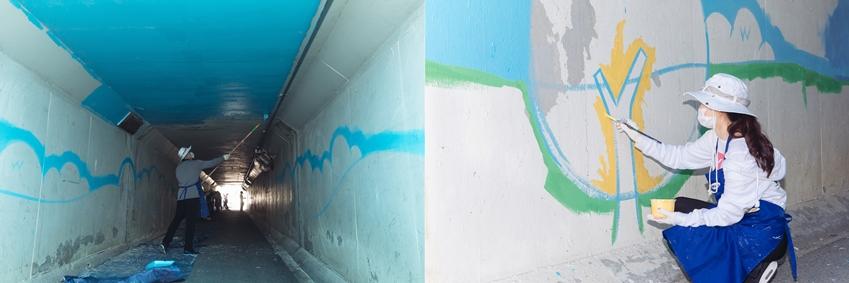 ▲스케치 작업이 끝난 벽에 색을 채워 넣는 회원들. 모든 공정은 '팀플레이(team play)' 형태로 진행되기 때문에 미적 감각이 없어도, 경험이 부족해도 누구나 참여할 수 있다