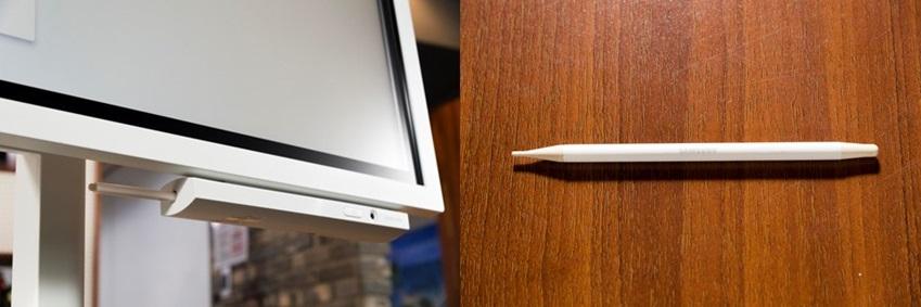 ▲ (사진 왼쪽) 플립(Flip)에는 '패시브 펜'이 함께 제공된다. 버튼을 누르거나 패시브 펜을 꺼내면 디스플레이가 자동으로활성화돼 정시에 회의를 시작할 수 있다. (사진 오른쪽) 또한 디스플레이 하단에 별도의 패시브 펜 홀더가 있어 보관도 편리하다