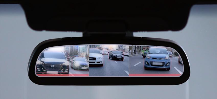 운전자가 차선을 변경할 때 변경하는 방향으로 시야를 확대해주고, 후진할 때 차량 뒤쪽의 사람/사물을 탐지하며 위험 감지시 운전자에게 경고하는 미러 대체 비전 시스템