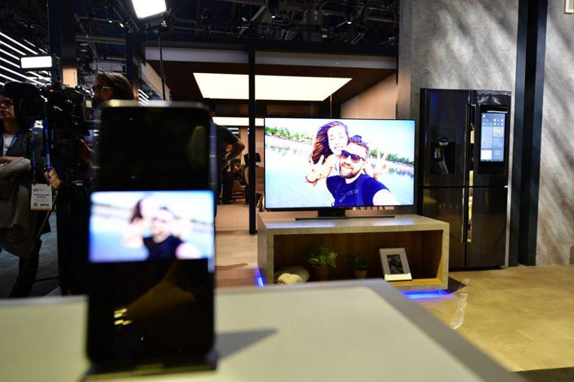 ▲ 외부에서 모바일로 찍은 사진과 영상을 집에 있는 TV 화면으로 전송하거나 실시간 스트리밍할 수 있다