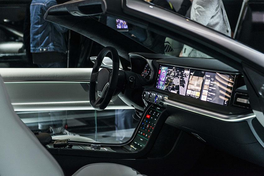 자율주행차는 올 들어 한층 진보한 기술로 멋진 모습을 과시했다.