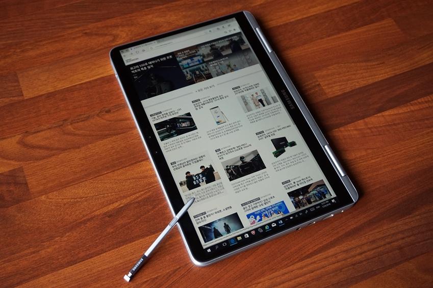 노트북 Pen은 태블릿 모드로 사용이 가능하다