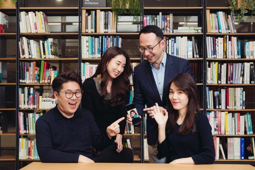 삼성전자 무선사업부 황호익 씨, 김혜봉 씨, 조원형 씨, 김지연 씨(왼쪽부터)
