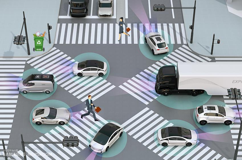 주행 도중 전방에 나타난 물체의 정체를 판단하는 자율주행자동차