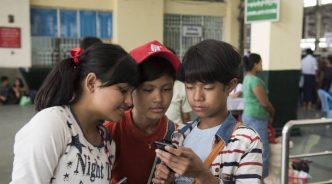 청각장애 어린이에게 스마트폰을 쥐였다, 그리고…