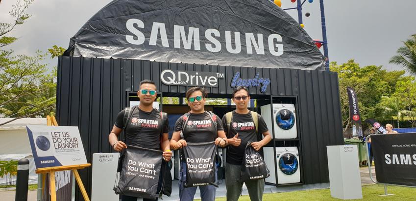 삼성전자는 지난 3월 싱가포르에서 열린 장애물 마라톤 '스파르탄 레이스(Spartan Race) 2018'에서 삼성 '퀵드라이브'를 체험 부스를 마련하고 참가자들이 경기 후 땀과 진흙 등으로 오염된 옷을 30분대에 빠르게 세탁할 수 있는 새로운 경험을 제공했다.