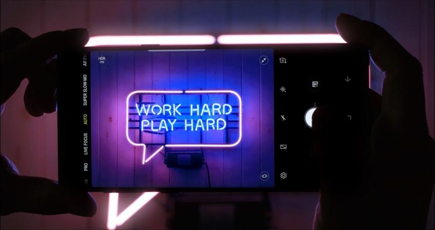 work hard / play hard 갤럭시 노트9 화면