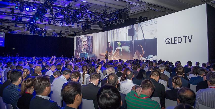삼성전자 김현석 대표이사가 IFA 2018 프레스 컨퍼런스에서 발표를 하고 있다.