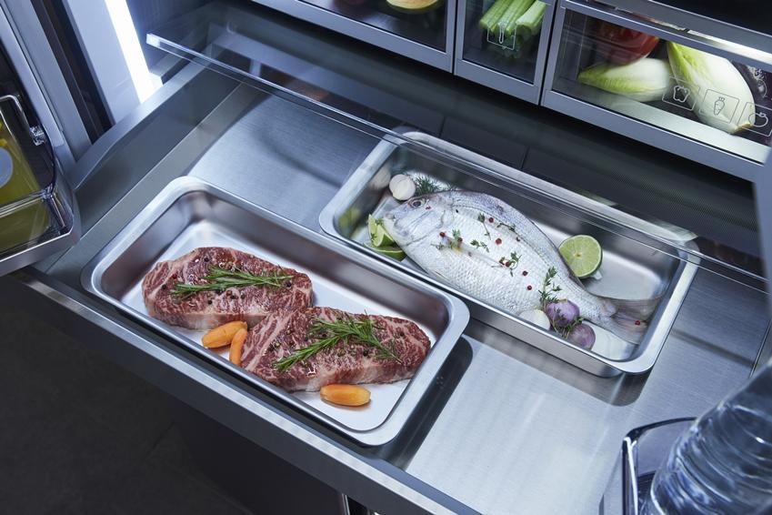 셰프콜렉션에 보관된 고기와 생선