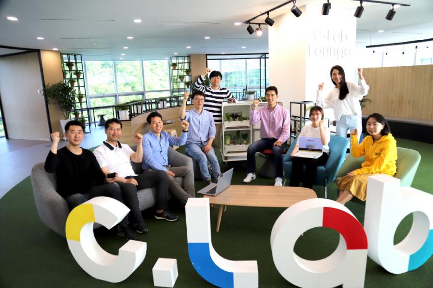 samsung c-lab 사람들의 모습