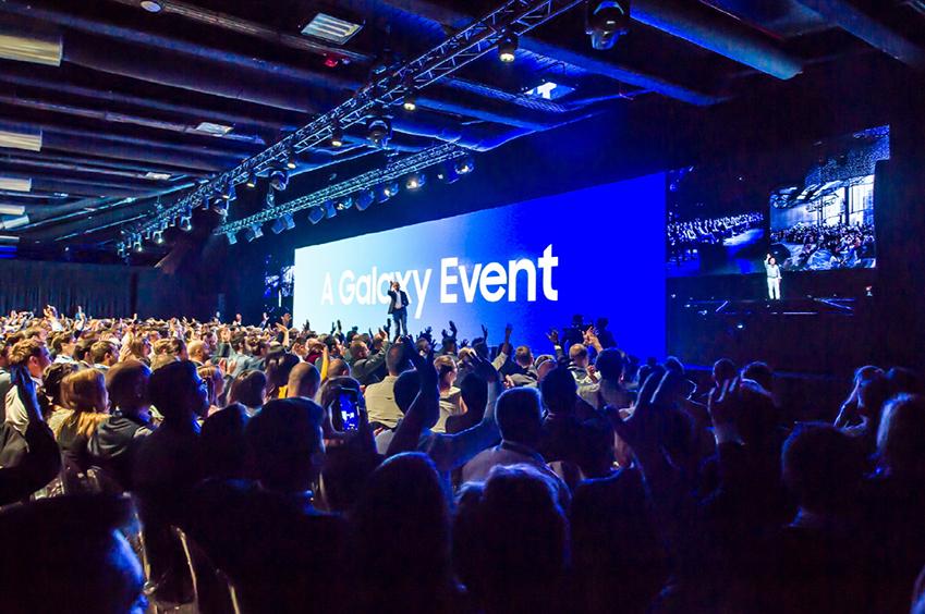 11일(현지시간) 이탈리아 밀라노에서 진행된 'A 갤럭시 이벤트' 행사 전경. 삼성전자는 유럽 지역 미디어·파트너 등 500여명이 참석한 가운데 세계 최초로 쿼드 카메라를 탑재한 '갤럭시 A9'을 공개했다.
