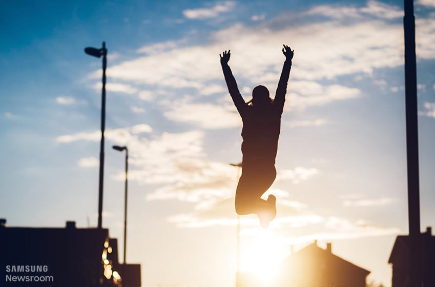 점프하는 사람