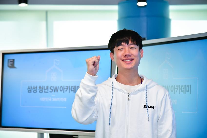 김민영(27세, 인하대학교 컴퓨터공학과