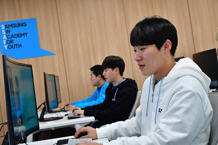 김성식(25세, 한국산업기술대학교 컴퓨터공학과