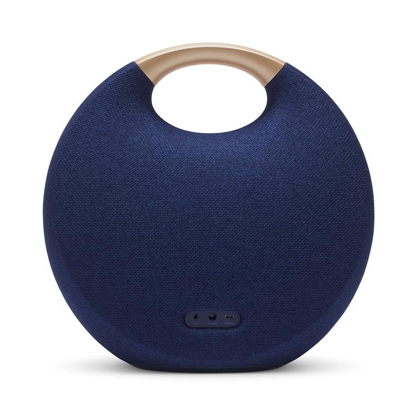 삼성전자가 무선의 자유로움과 고품격 사운드를 동시에 즐길 수 있는 JBL·AKG·하만카돈 신제품을 새롭게 선보인다. 사진은 '하만카돈 오닉스 스튜디오 5' 스피커.